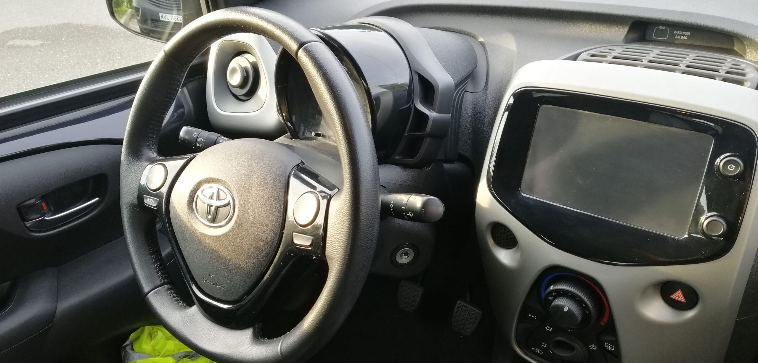 Toyota mandos